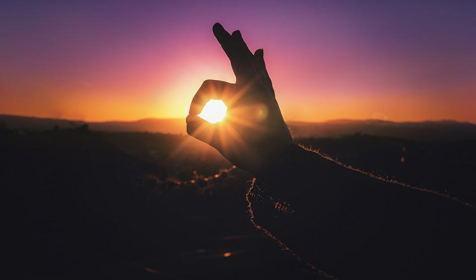 Angyali üzenet újhold éjszakájára: Engedjétek el a múltat